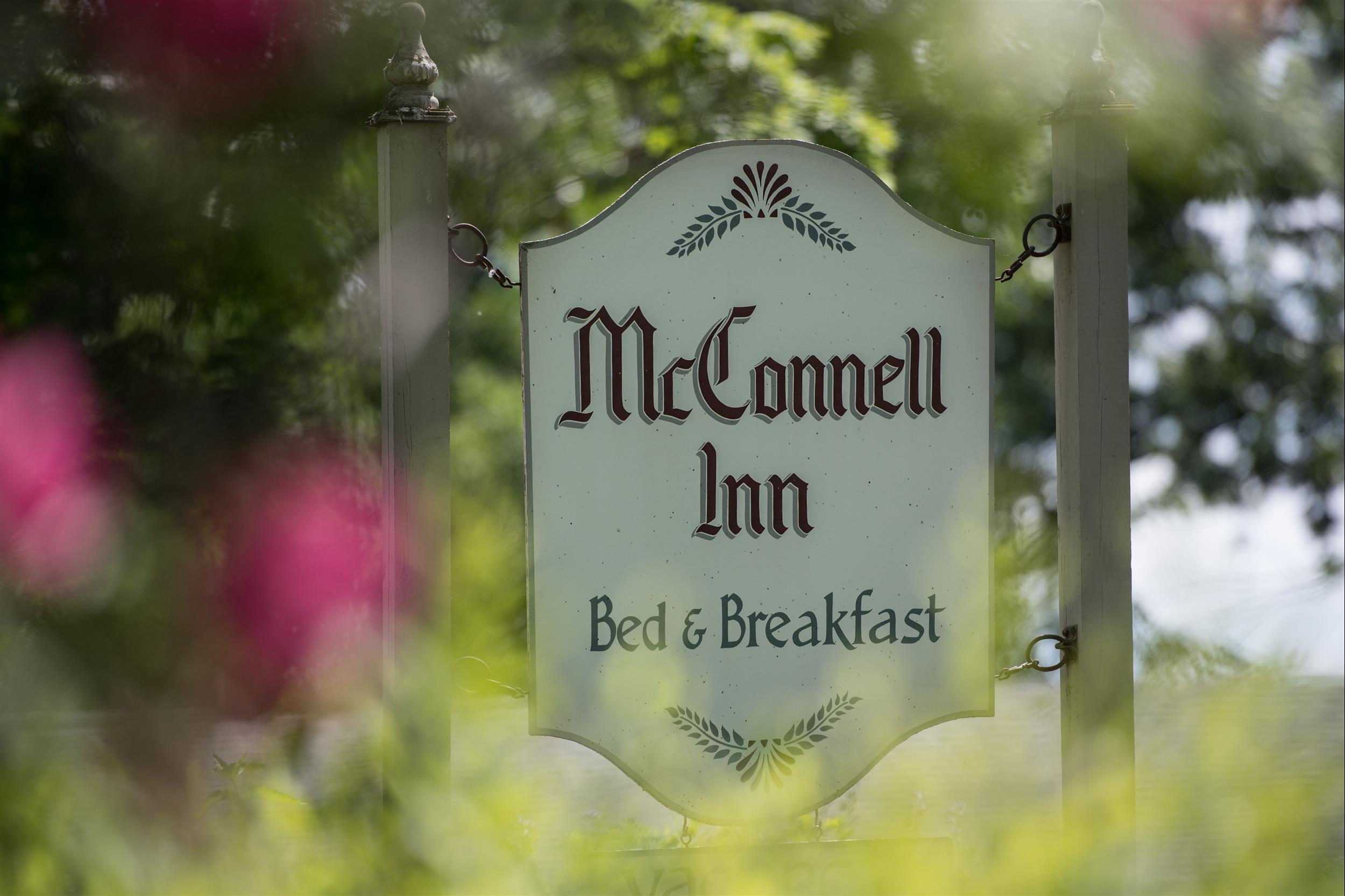 the sign for the McConnell Inn